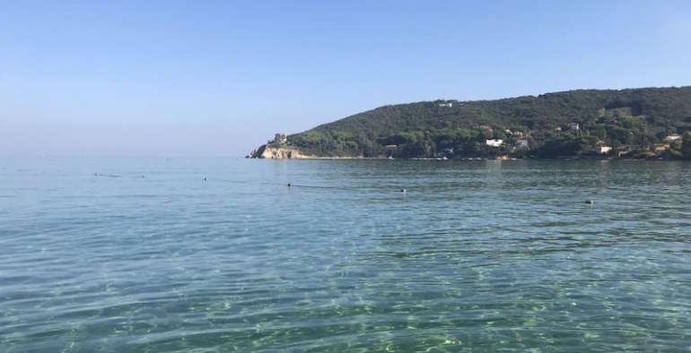 Isola D'Elba spiagge, la Baia di Procchio vivila con noi!