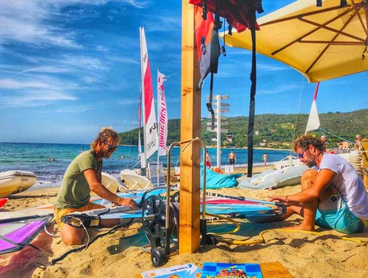 Corsi di Windsurf per principianti all'Isola d'Elba