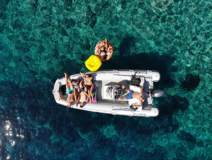 Scopri l'Isola d'Elba dal mare con le escursioni di EWS